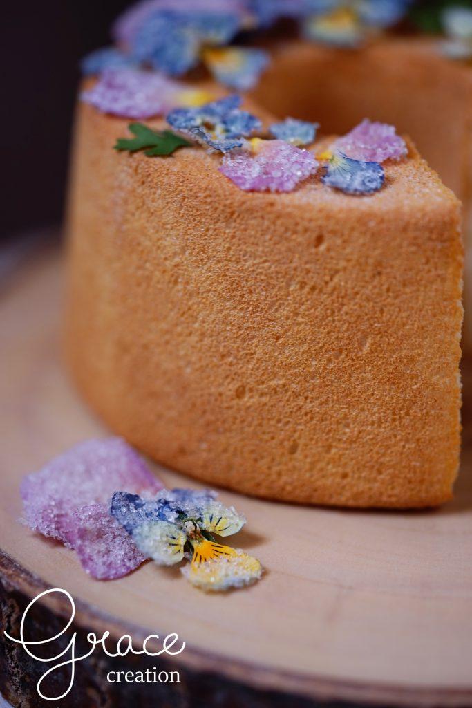空気をたっぷり含んだきめの細かい(食べられない)シフォンケーキを簡単にお作りいただけます。
